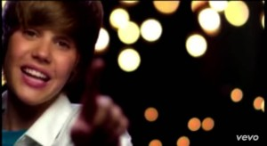 Justin Bieber - One Less Lonely Girl (8)