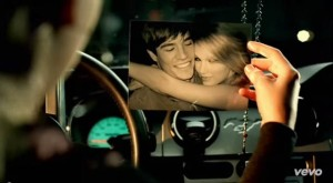 Taylor Swift - Picture To Burn (1)