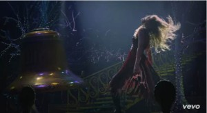 Taylor Swift - Sparks Fly (7)
