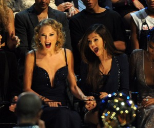 taylor swift and selena gomez best friends (13)