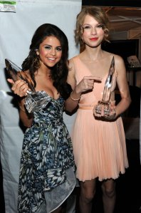taylor swift and selena gomez best friends (15)