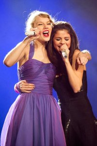 taylor swift and selena gomez best friends (9)