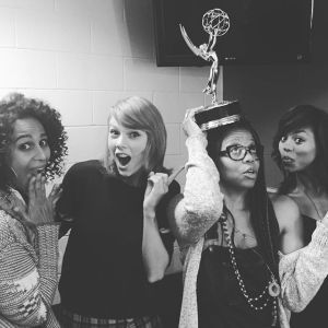 taylor swift emmy award photos (2)
