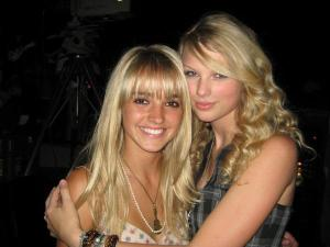 taylor swift friends picture collection (29)