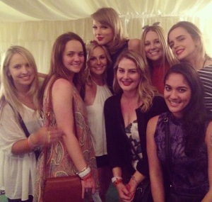 taylor swift friends picture collection (32)