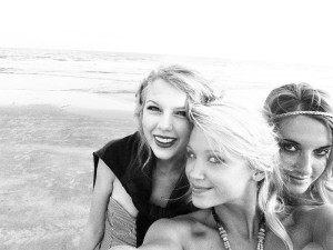 taylor swift friends picture collection (4)