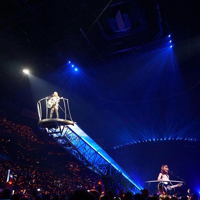 Christmas Lights Glisten Taylor Swift: TAYLOR SWIFT PHOTO CONCERT COLUMBUS, OHIO 1989 WORLD TOUR