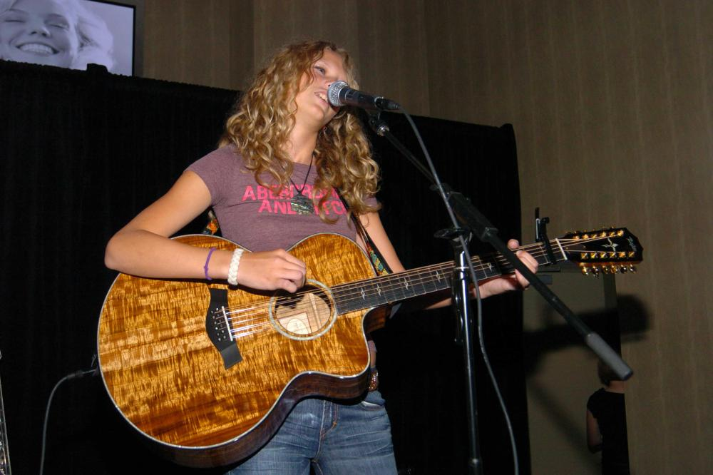 taylor swift model abercrombie and fitch � medzprocom
