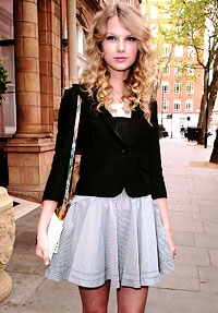 taylor swift cute dress style (1)